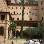 claustro-monasterio-montserrat
