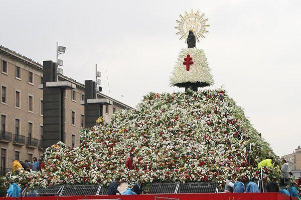 Celebración de las fiestas del Pilar y la ofrenda de flores